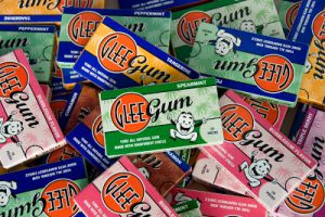 GLEE GUM (review/contest)
